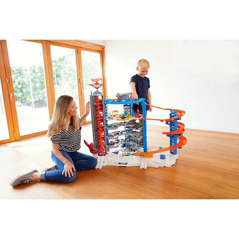 hot wheels super ultimate garage play set at hobby warehouse. Black Bedroom Furniture Sets. Home Design Ideas